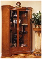 18TH century showcase A118